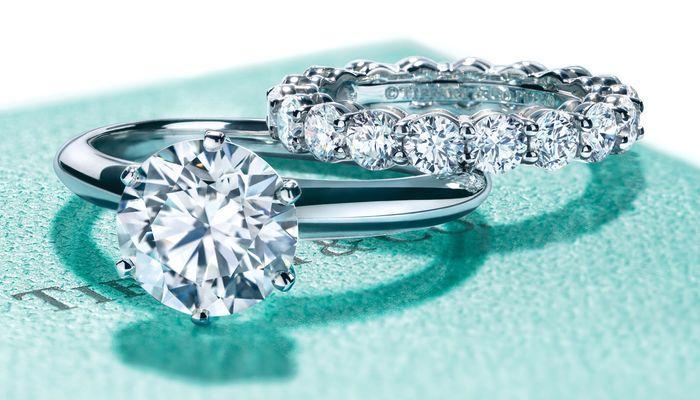 Помолвочное и обручальное кольцо в наборе